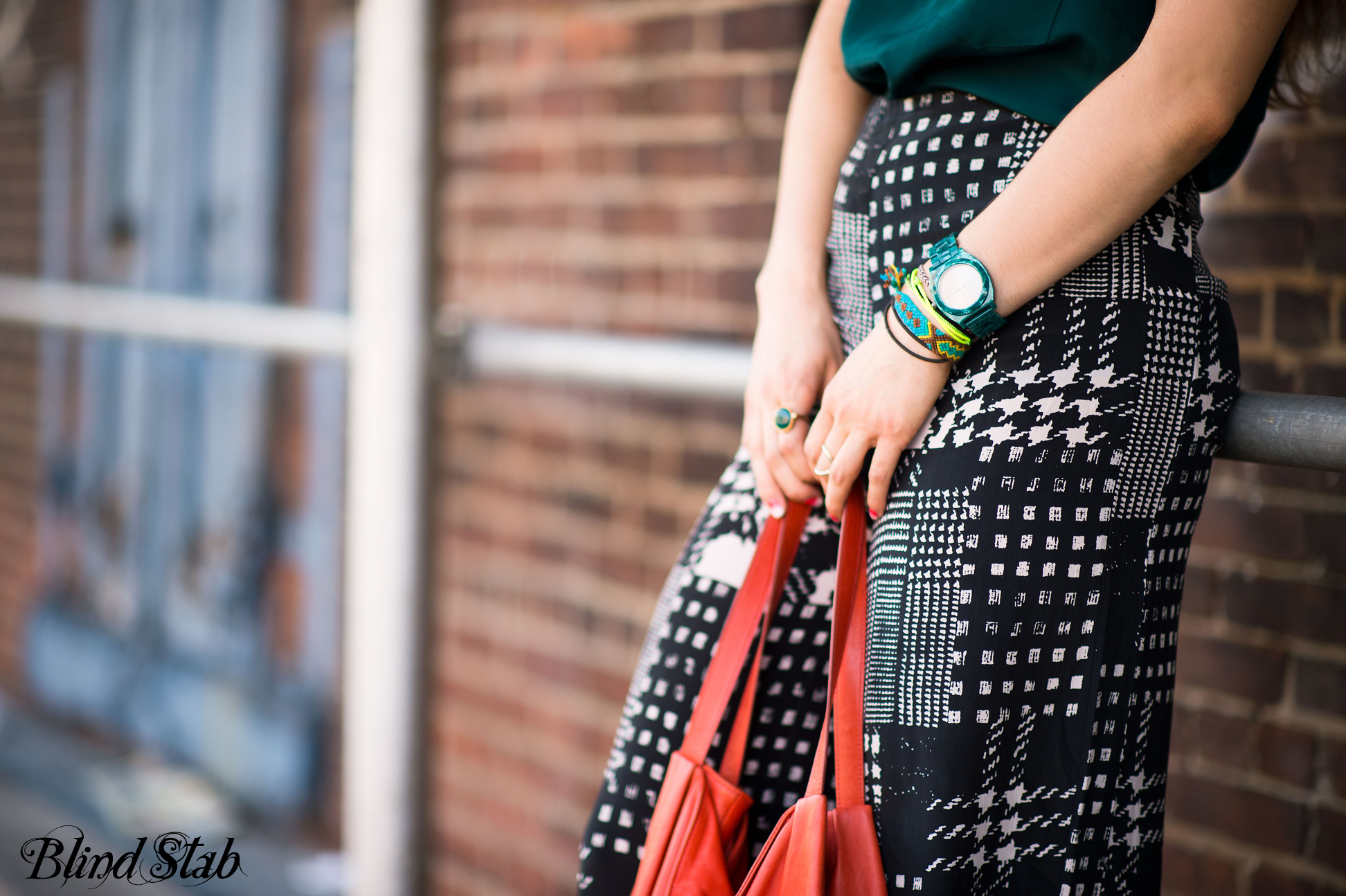 Streetstyle-Curvy-Blogger-Tattoo-Nixon-Watch