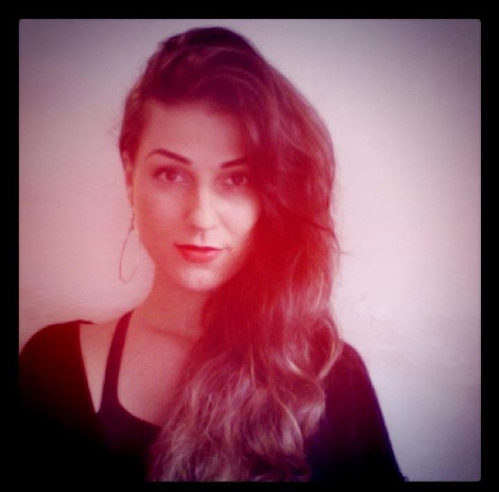 Blind-Stab-Dana-Suchow-Instagram-Eyebrows-Face-1