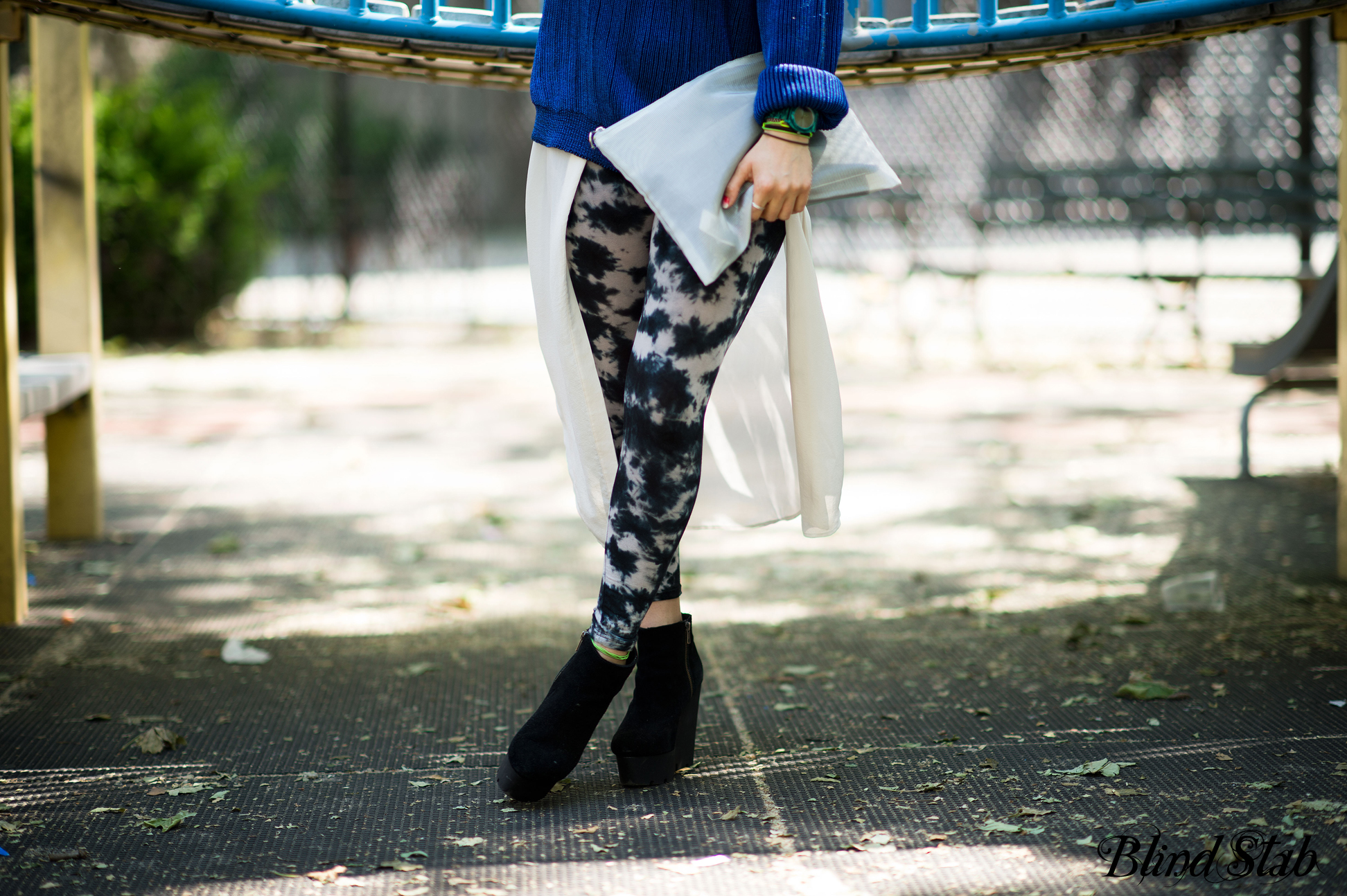 Streetstyle-Blue-Sweater-Fishtail-Skirt