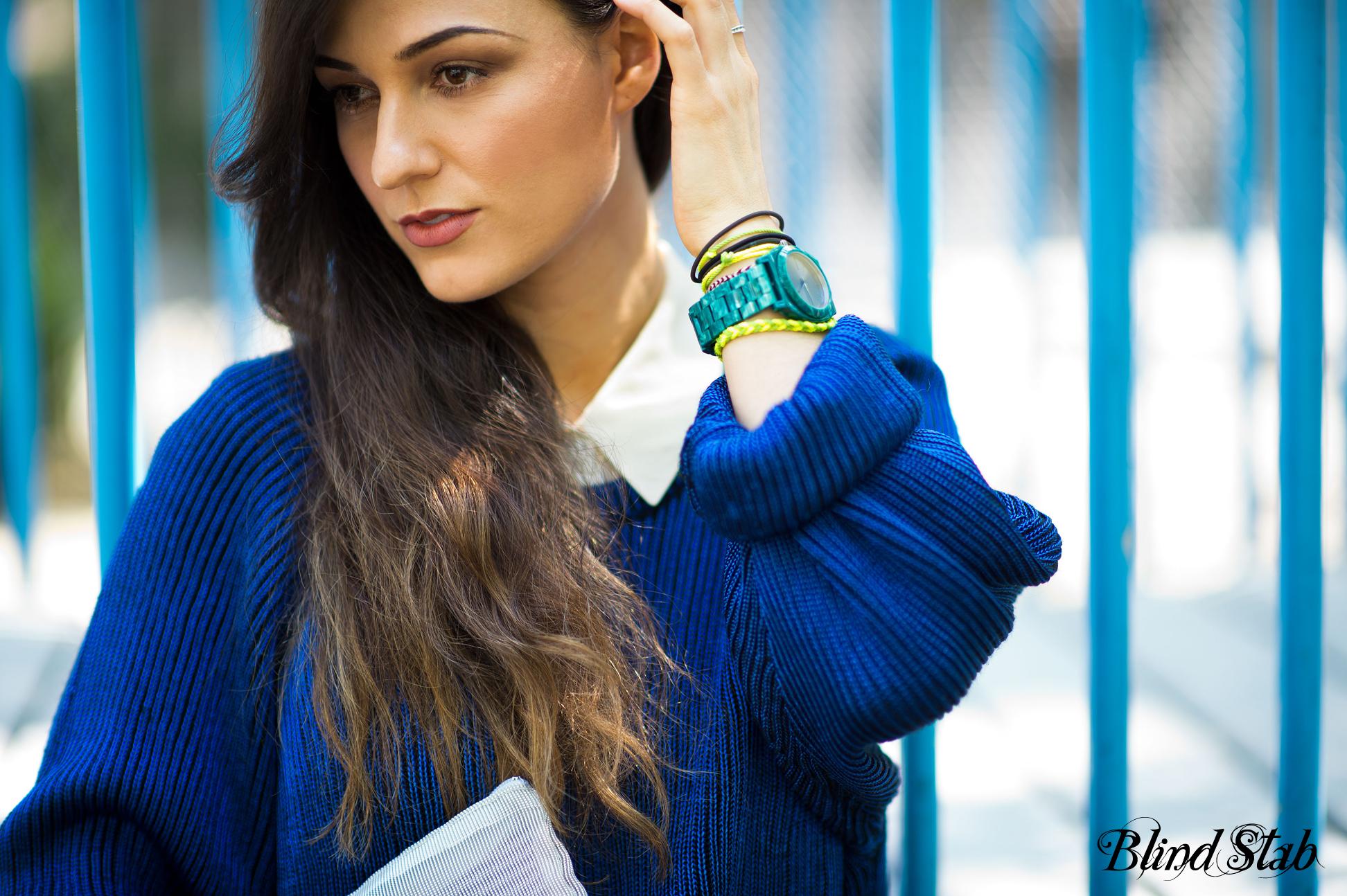 Streetstyle-Blue-Sweater-Nixon-Watch