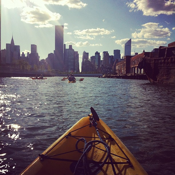 Instagram-Kayak-New-York-Night
