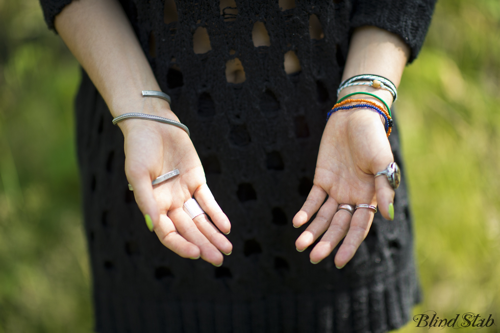 Blogger-Hands-Rings-Jewelry-Bracelets