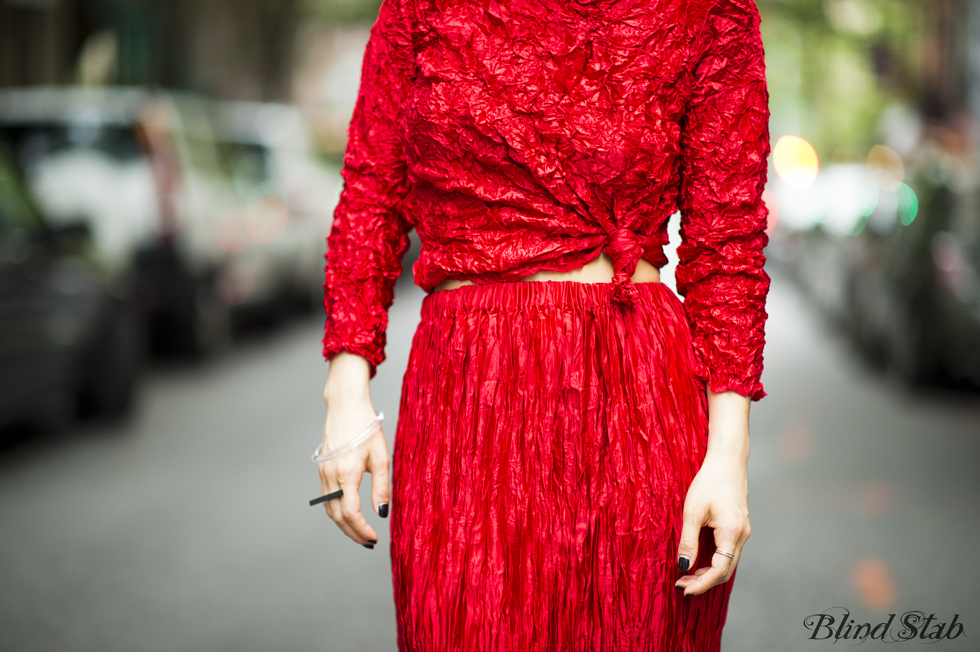 Red-Dress-Blogger-Streetstyle-Ideal-Curvy-Woman