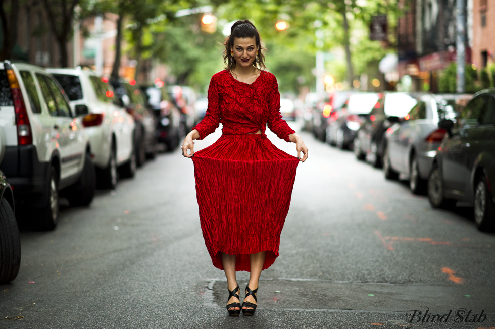 Red-Dress-Blogger-Streetstyle-Silk