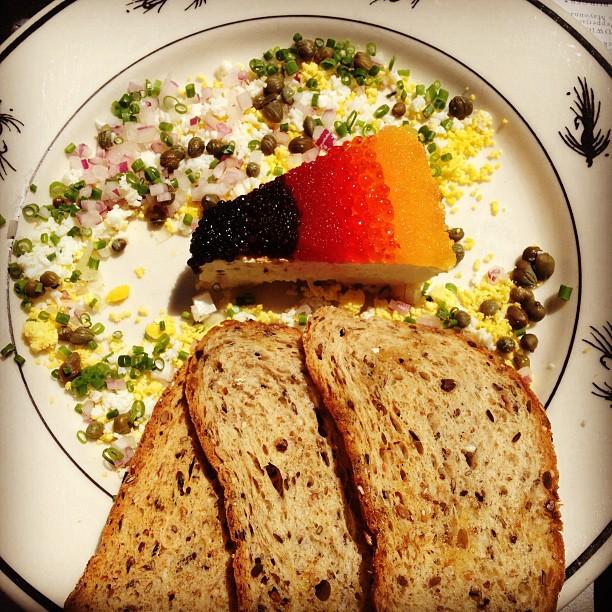 Instagram-Brunch-Vegan-Caviar-Food
