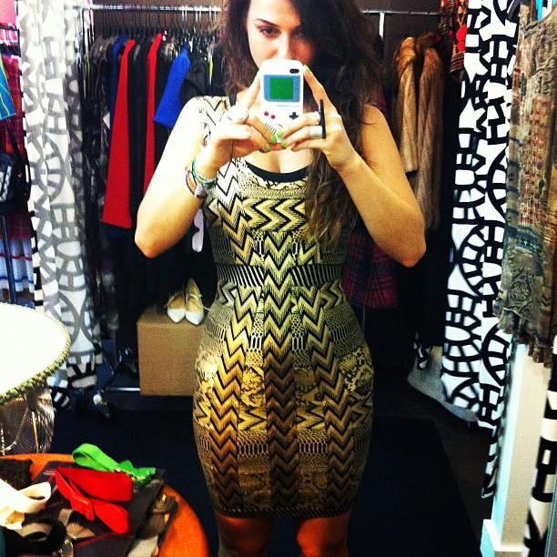 Instagram-Ideal-Body-Woman-Curvy-Dress