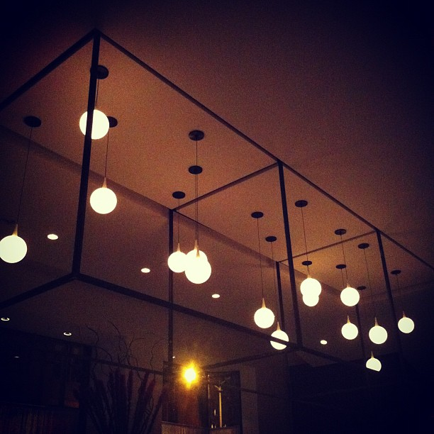 Hanging-Restaurant-Lights-Instagram-Pipe