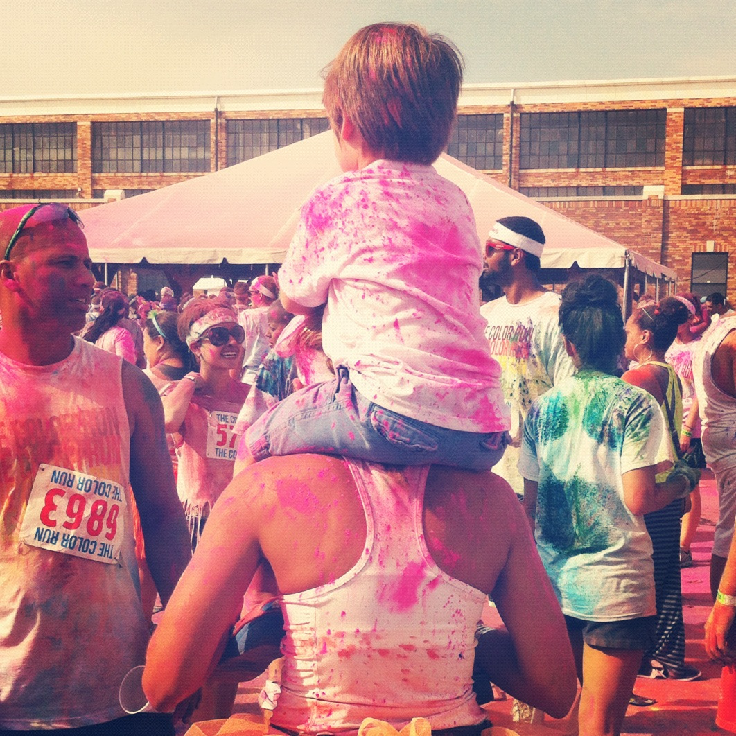 2012-Paint-Race-Family-Kid-Shoulders
