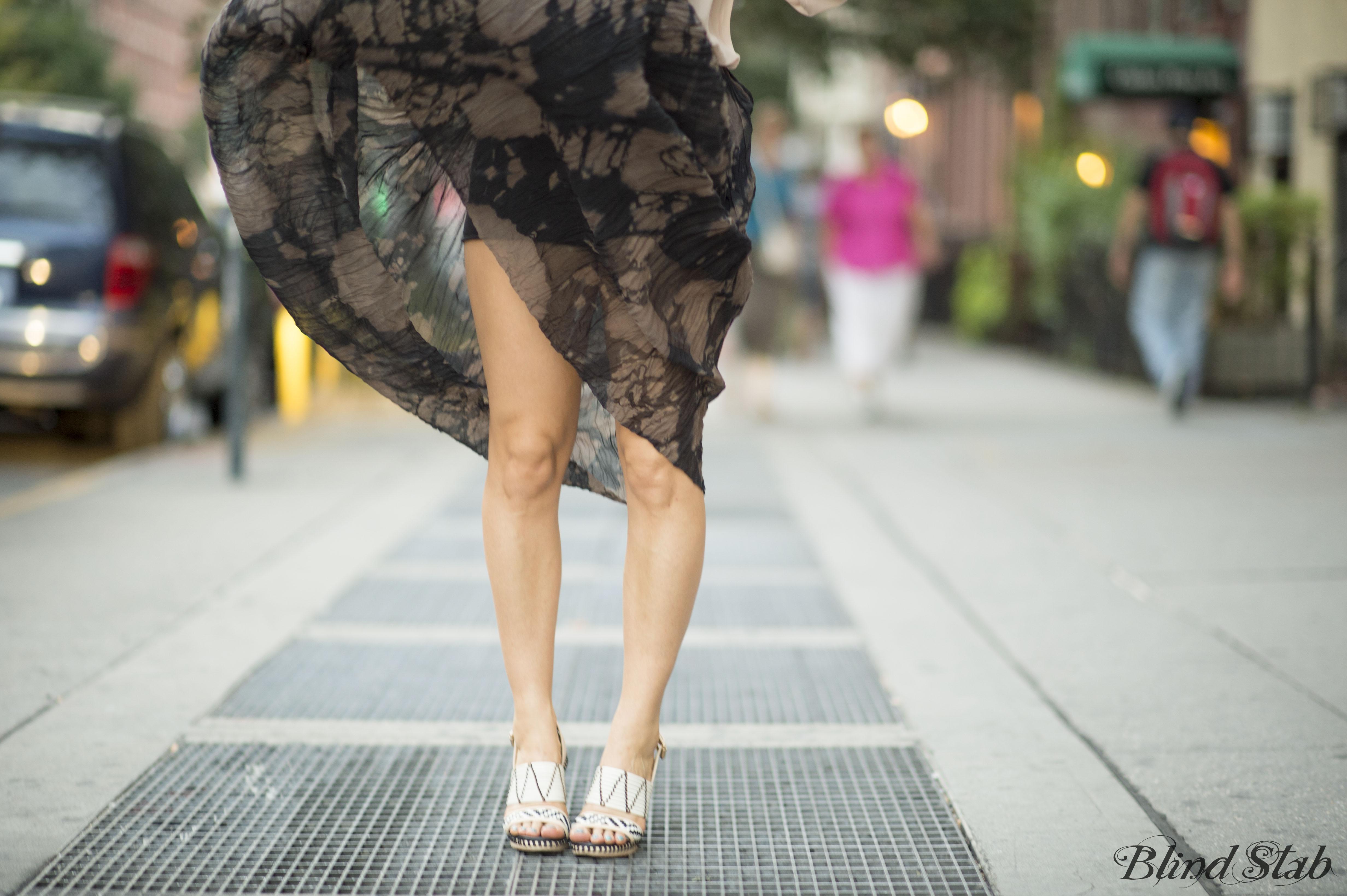 Curvy-Woman-Legs-Tie-Dye
