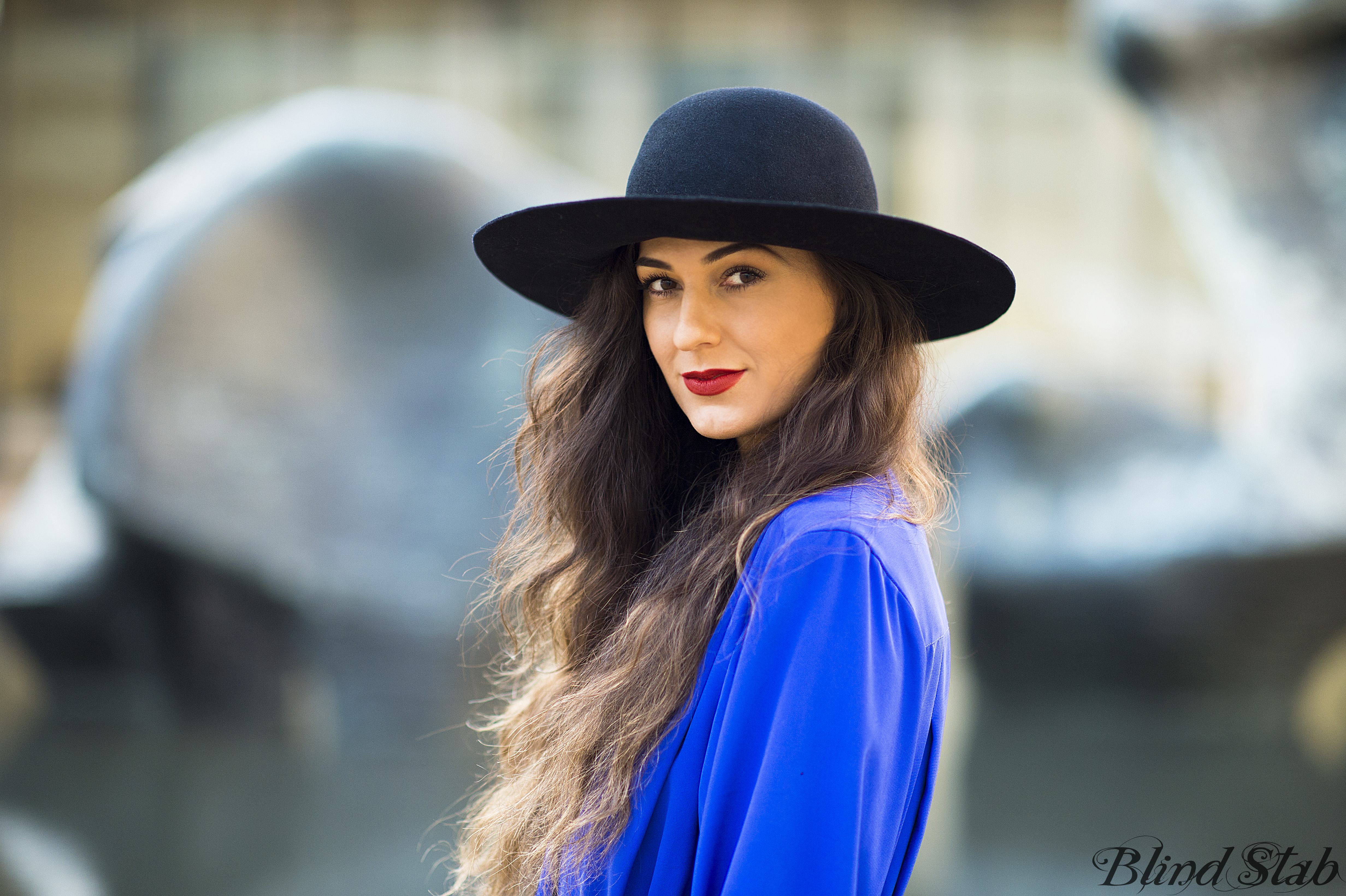 Blue-Jumpsuit-Wide-Brim-Hat-LLMAC-Chili-Lipstick