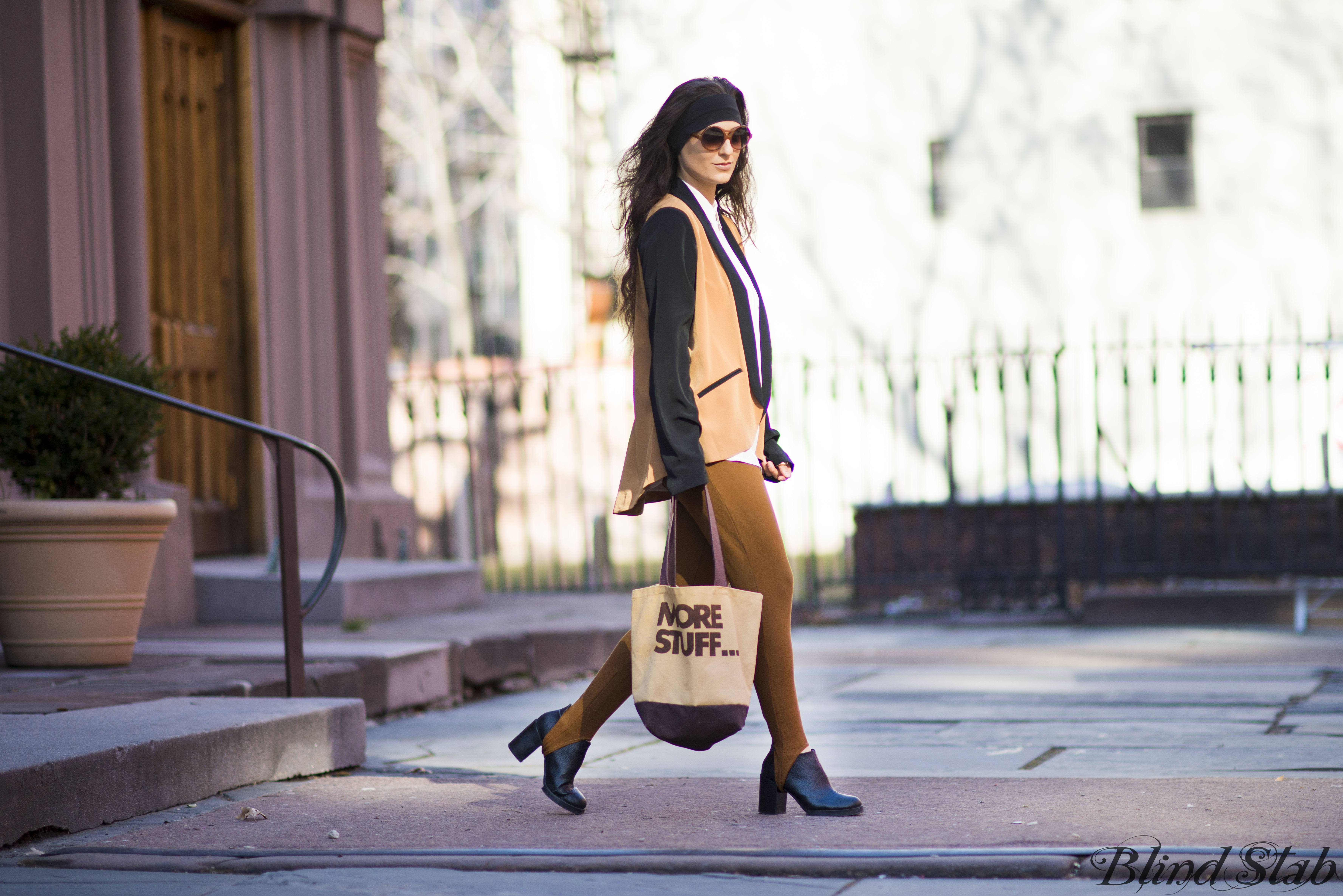 Round-Glasses-Two-Toned-Blazer-NYC-New-York-City-Street-Style