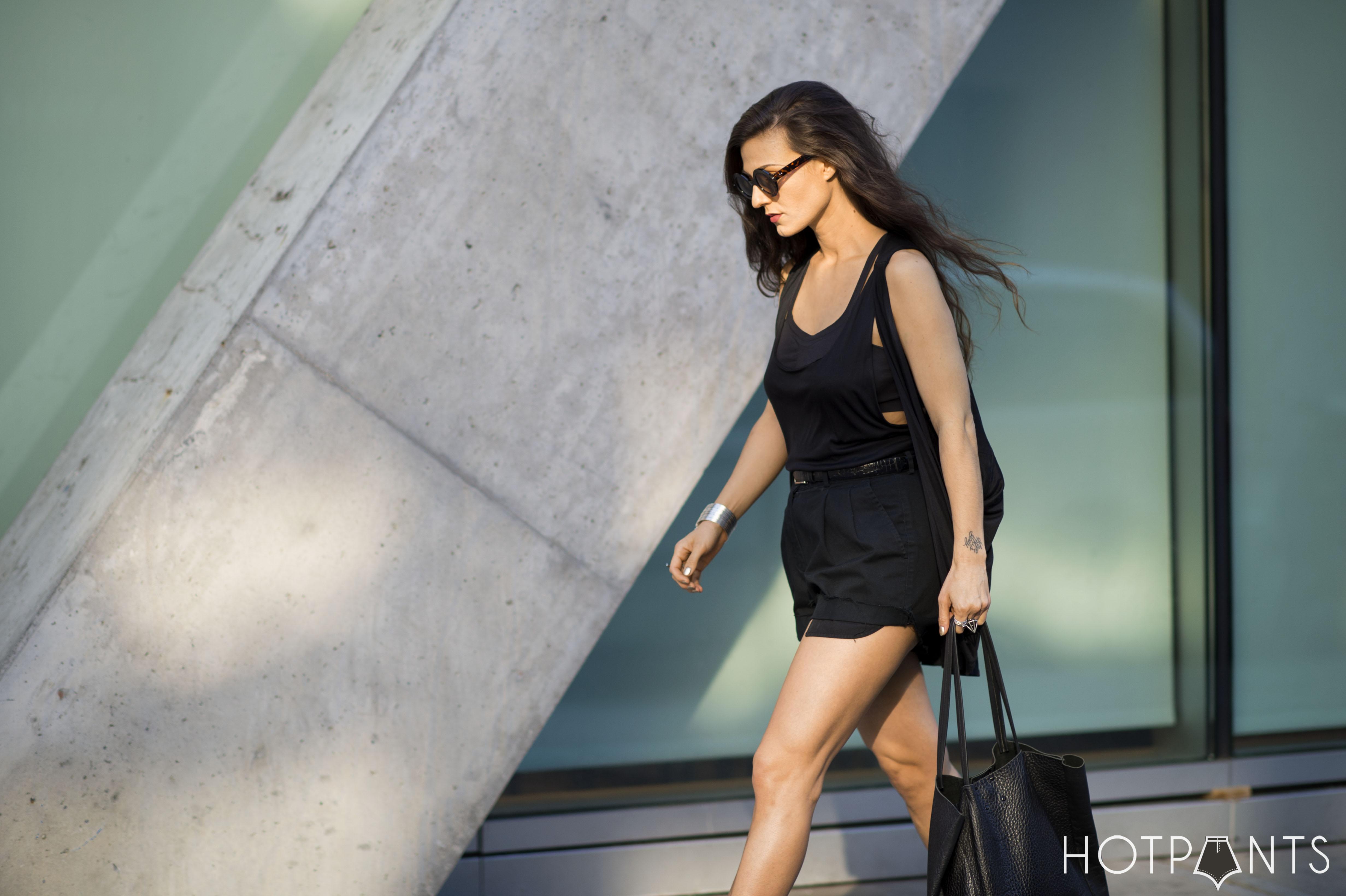 Long Brown Hair Ankle Boots Curvy Woman Legs Fashion