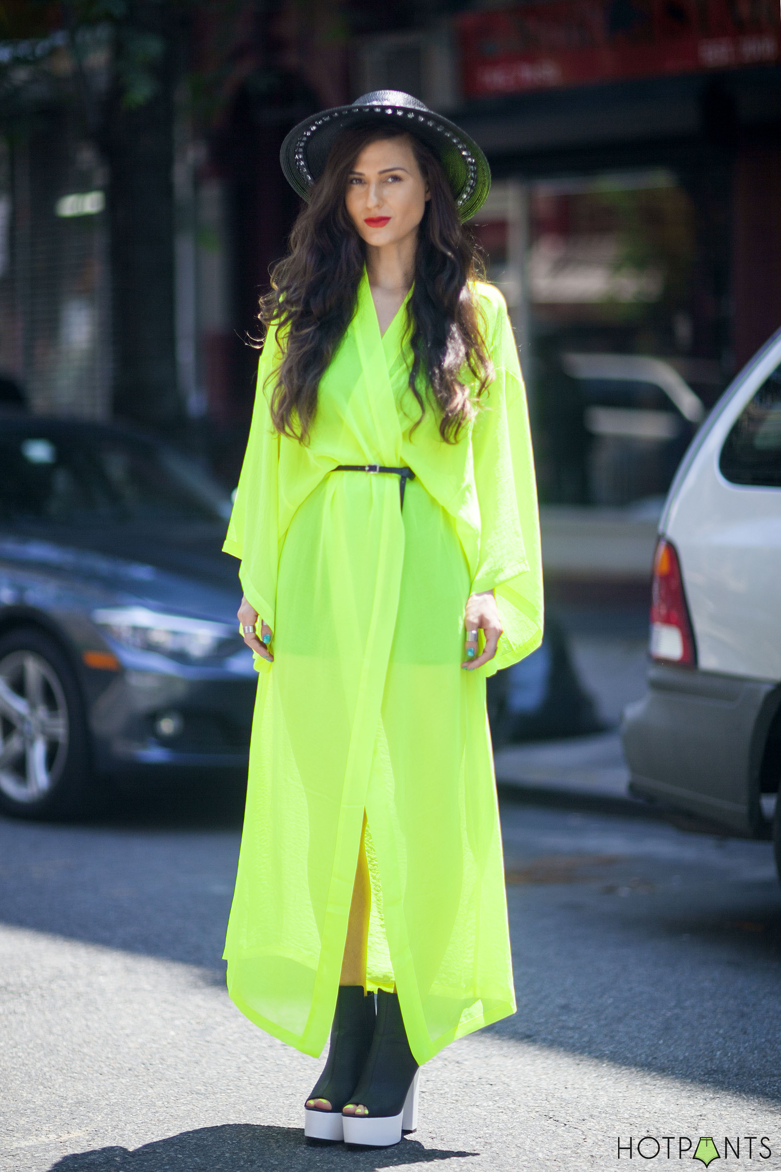H&M Maxi Dress Long Hair Funny Blogger Legs