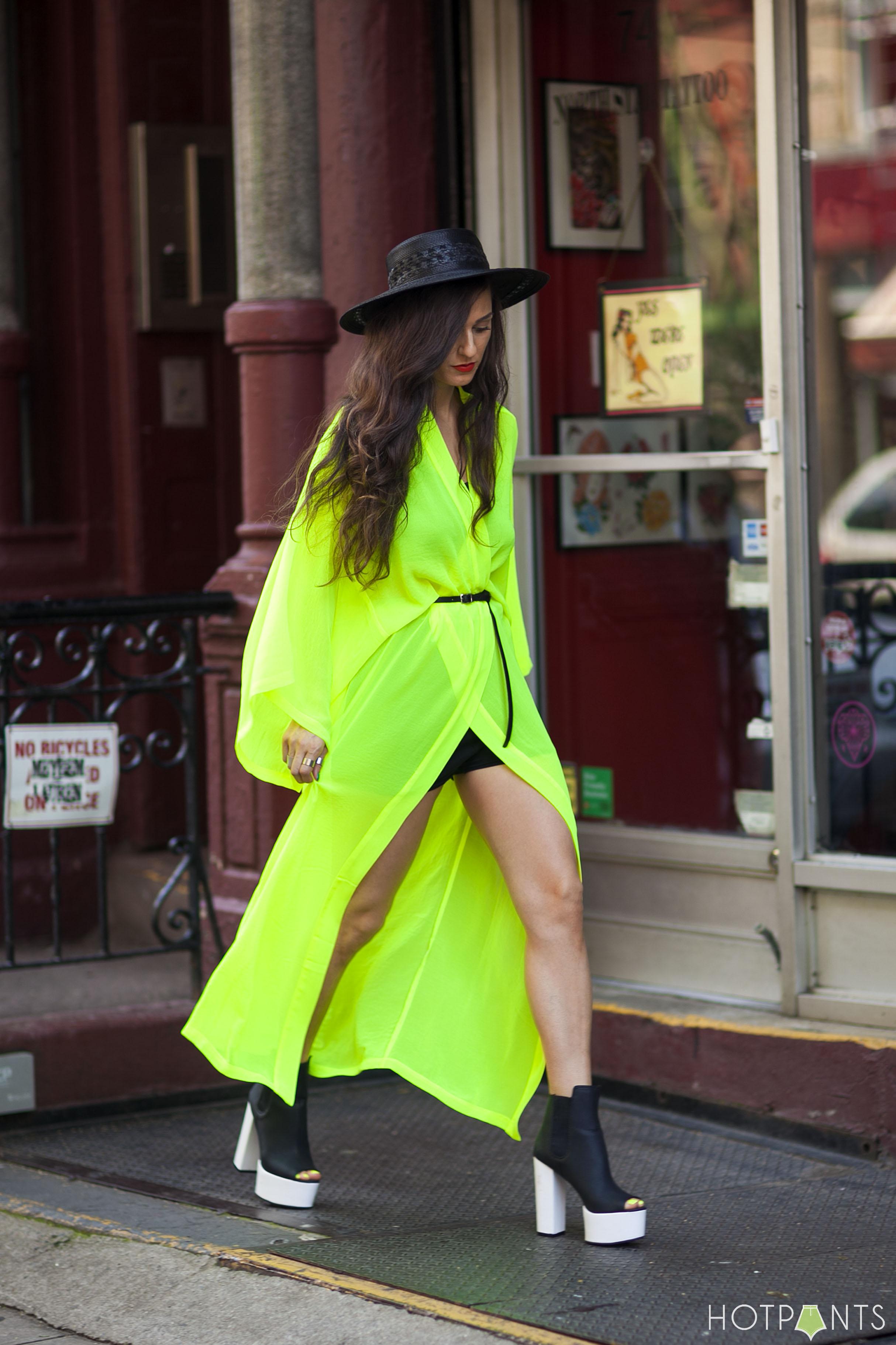 H&M Maxi Dress Long Hair Funny Blogger Legs