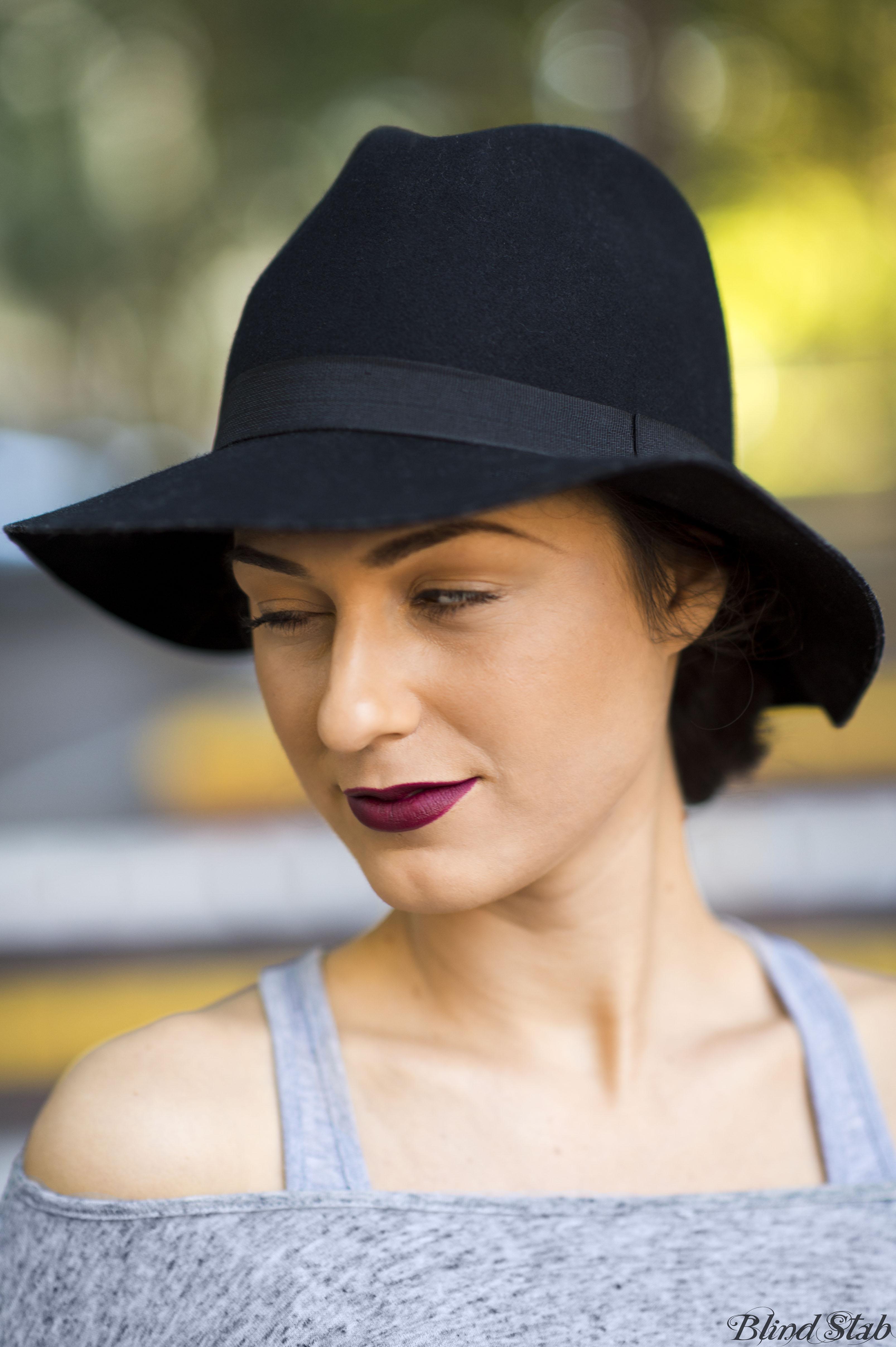 Blind Stab Dana Suchow Sydney Fashion Week Spring Black Wide Brim Hat 32