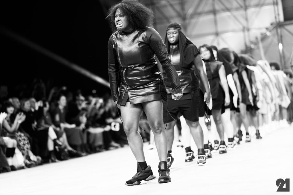 5167-Le-21eme-Adam-Katz-Sinding-Rick-Owens-Paris-Fashion-Week-Spring-Summer-2014_AKS1976