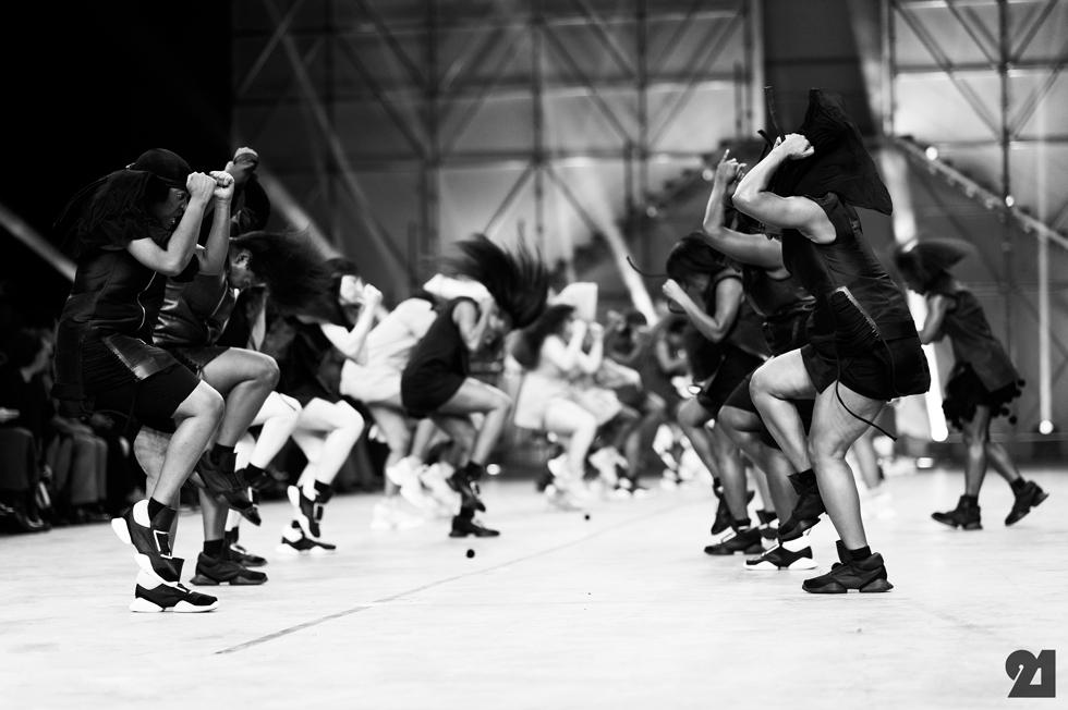 5169-Le-21eme-Adam-Katz-Sinding-Rick-Owens-Paris-Fashion-Week-Spring-Summer-2014_AKS1943