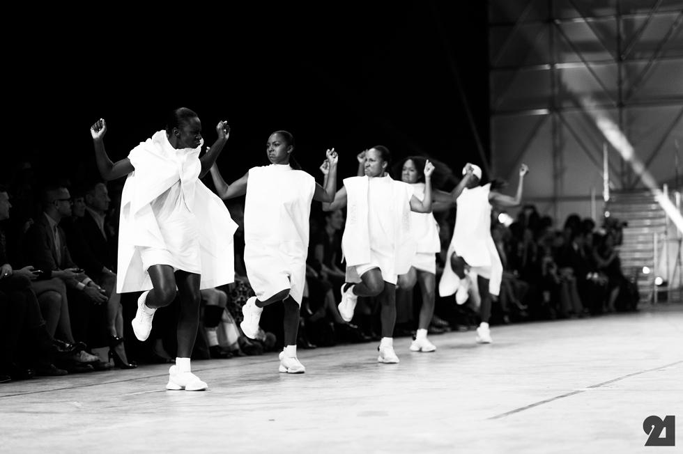 5174-Le-21eme-Adam-Katz-Sinding-Rick-Owens-Paris-Fashion-Week-Spring-Summer-2014_AKS1891