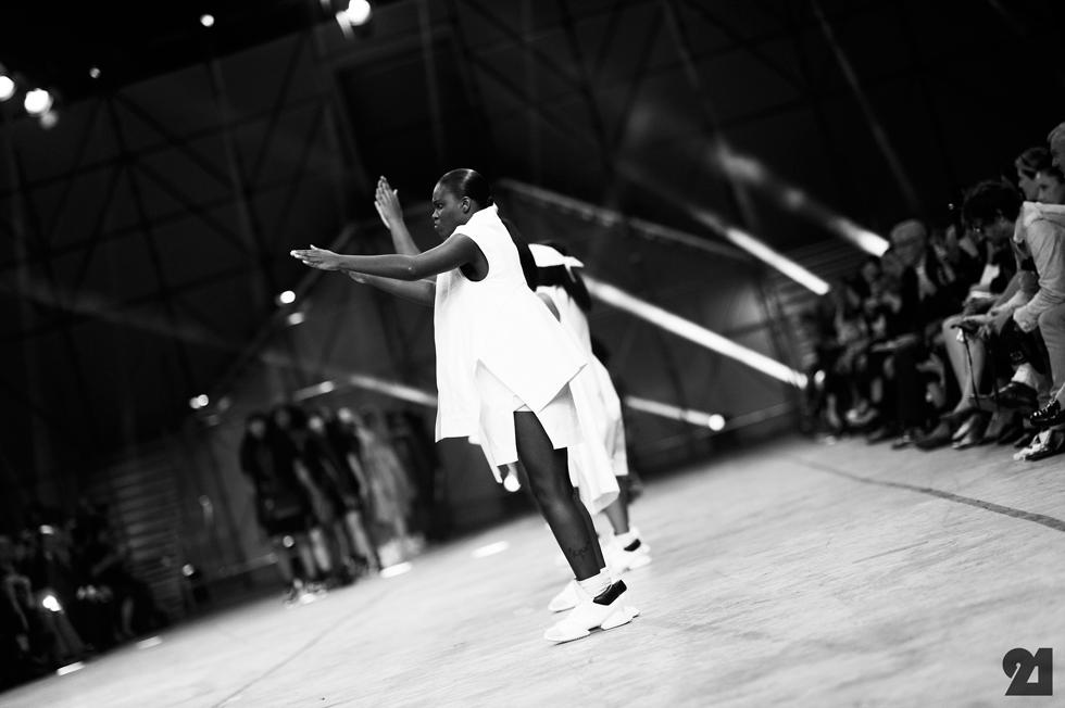 5175-Le-21eme-Adam-Katz-Sinding-Rick-Owens-Paris-Fashion-Week-Spring-Summer-2014_AKS1877