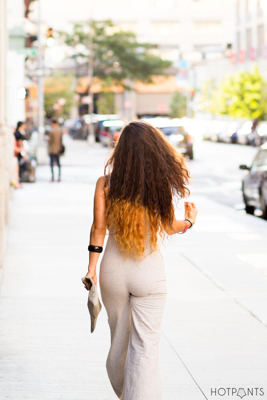 Round Tortoise Leopard Print Sunglasses Girl Walking Around NYC Manhattan Wide Leg Pants