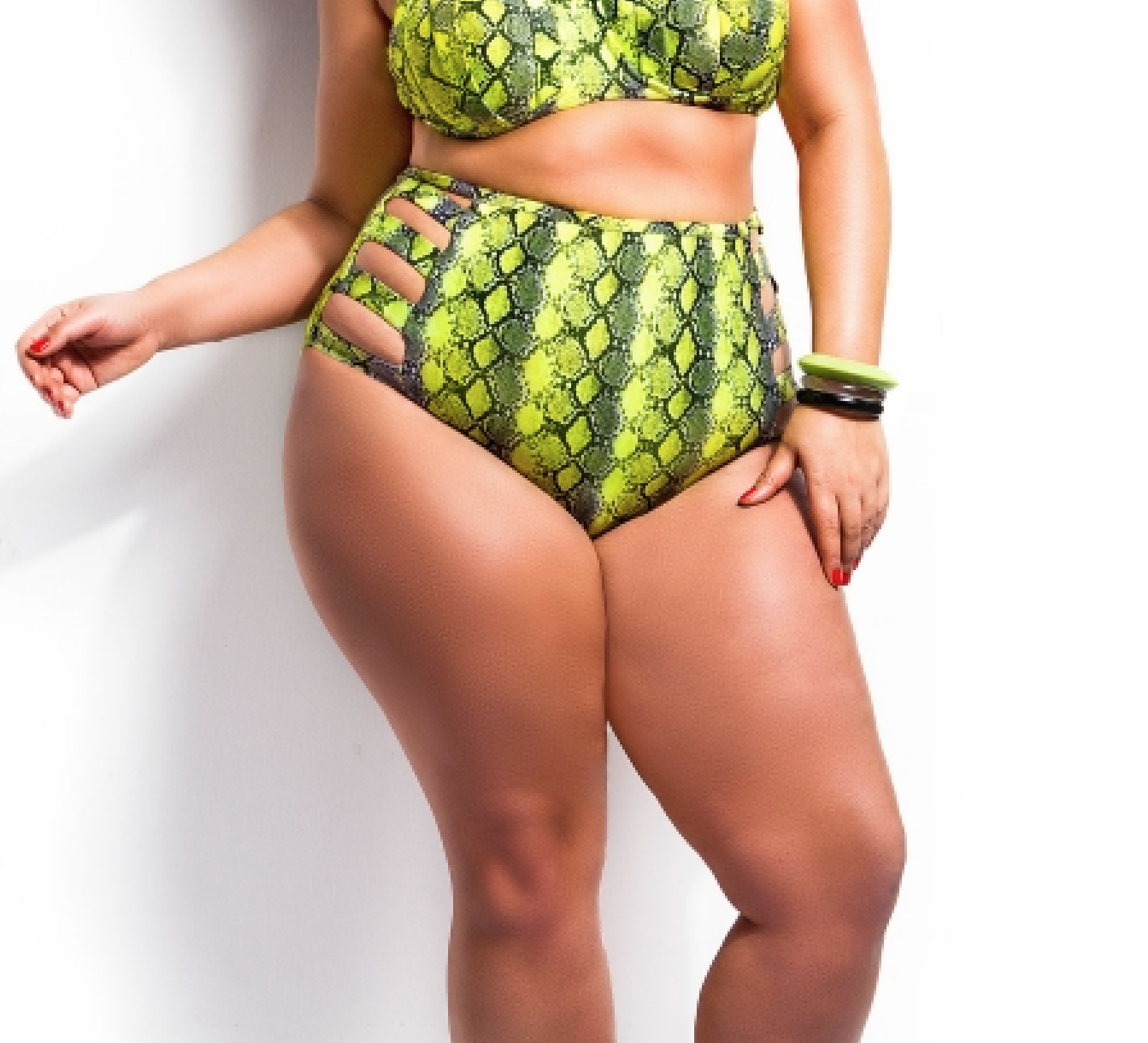 Curvy Fat Woman Bikini Model Cellulite Photoshop Photoshopped Skin Smooth