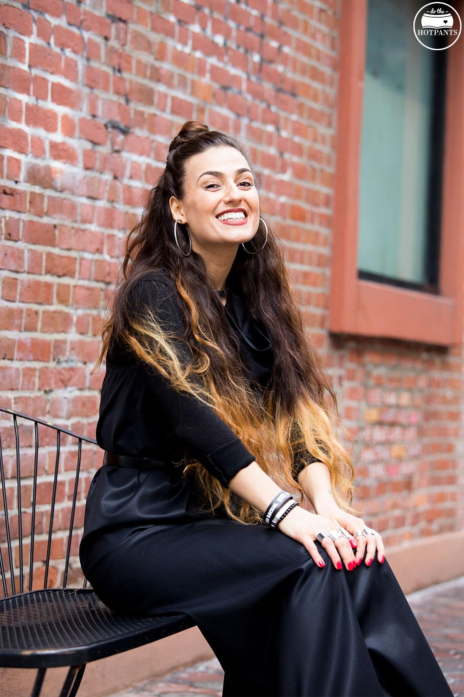 Winter Streetstyle Street Fashion Curvy Woman Half Bun Updo
