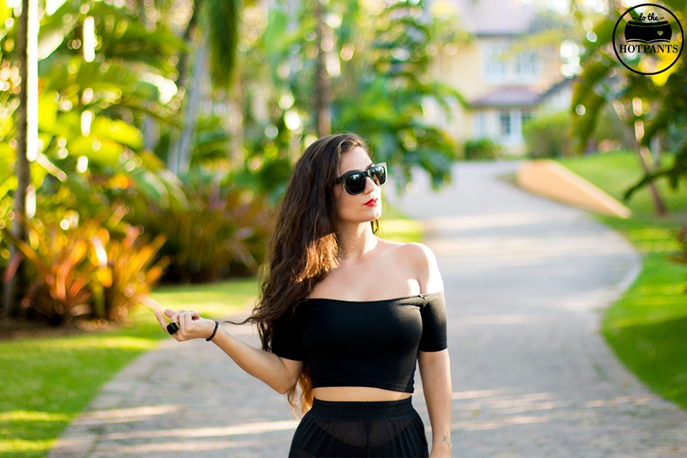 Girl in Black Underwear Crop Top Curvy Midriff