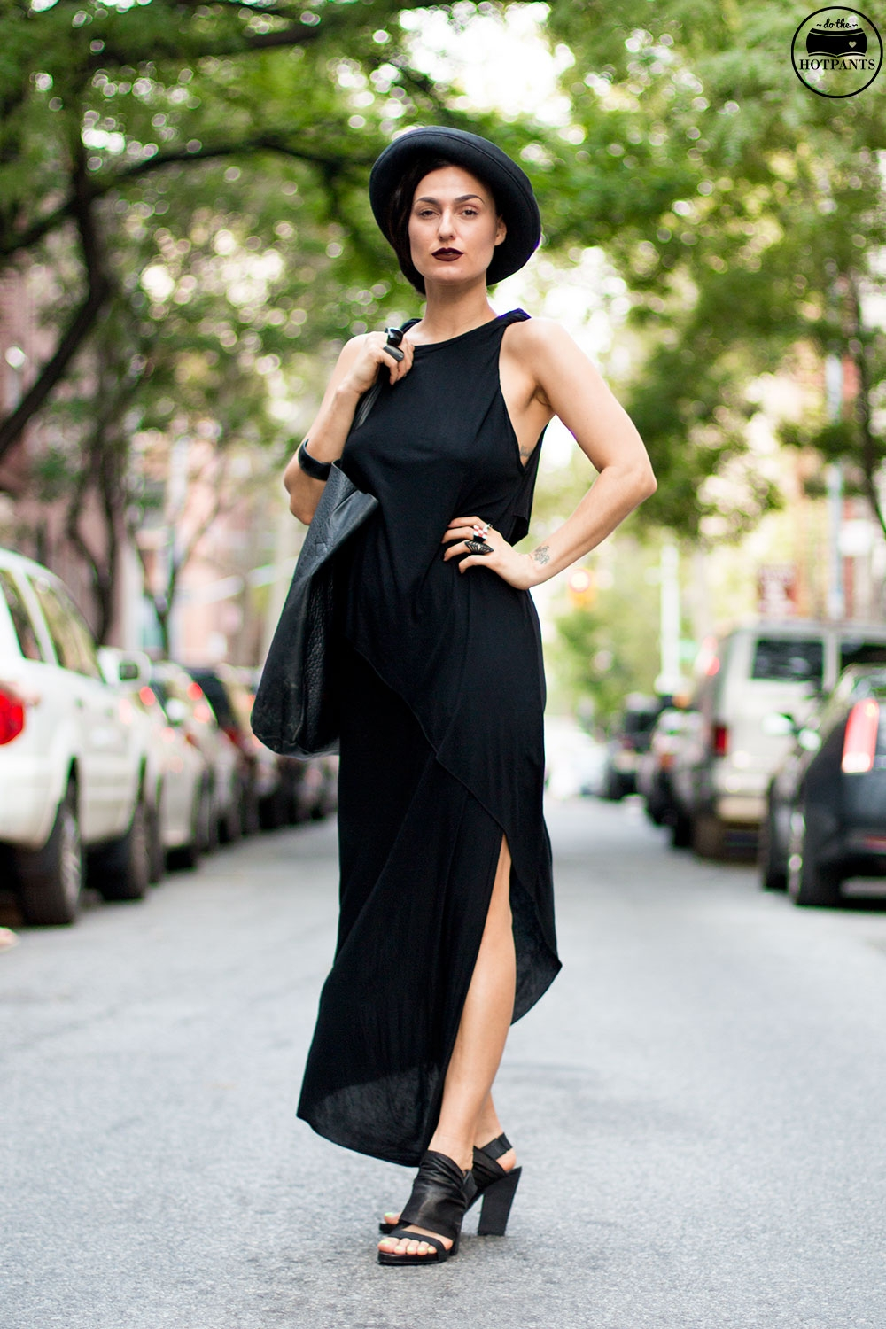 Do The Hotpants Dana Suchow Goth Streetstyle Fashion Black Maxi Dress Gothic Style MAC Dark Lipstick Fall Look IMG_2102