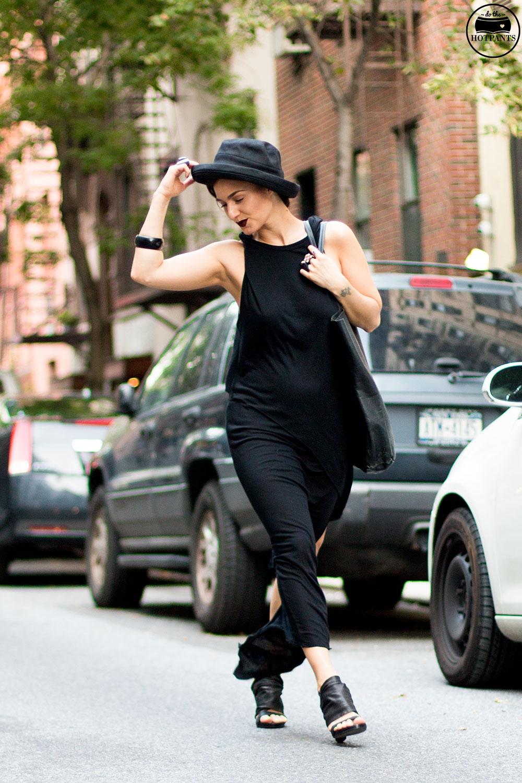 Do The Hotpants Dana Suchow Goth Streetstyle Fashion Black Maxi Dress Gothic Style MAC Dark Lipstick Fall Look IMG_2128