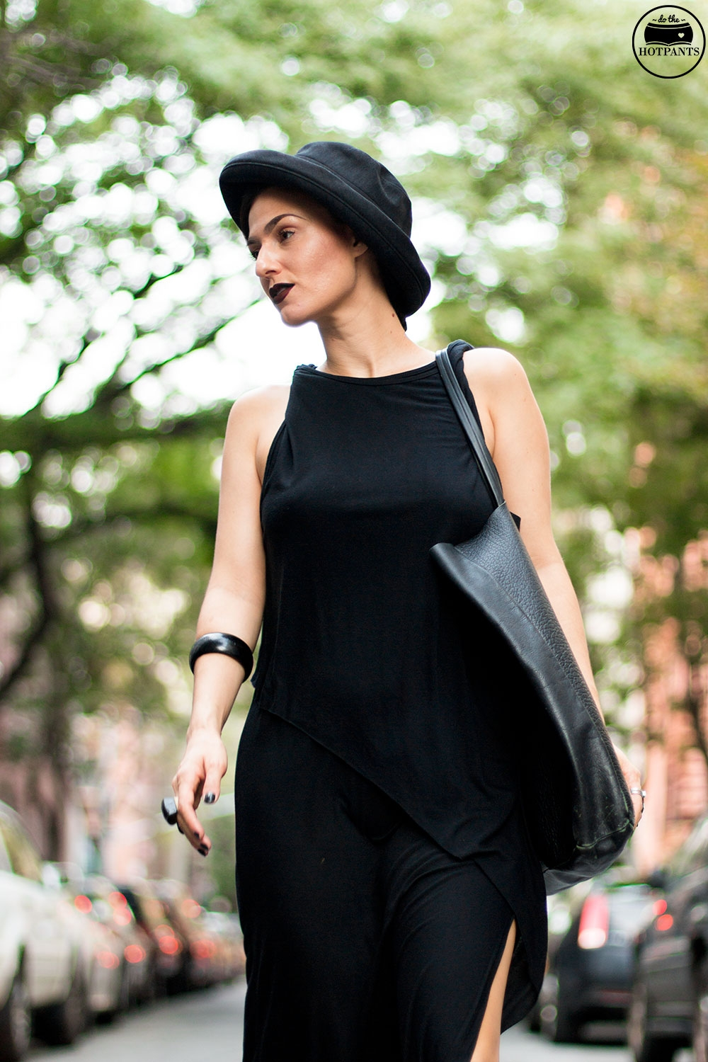 Do The Hotpants Dana Suchow Goth Streetstyle Fashion Black Maxi Dress Gothic Style MAC Dark Lipstick Fall Look IMG_2149