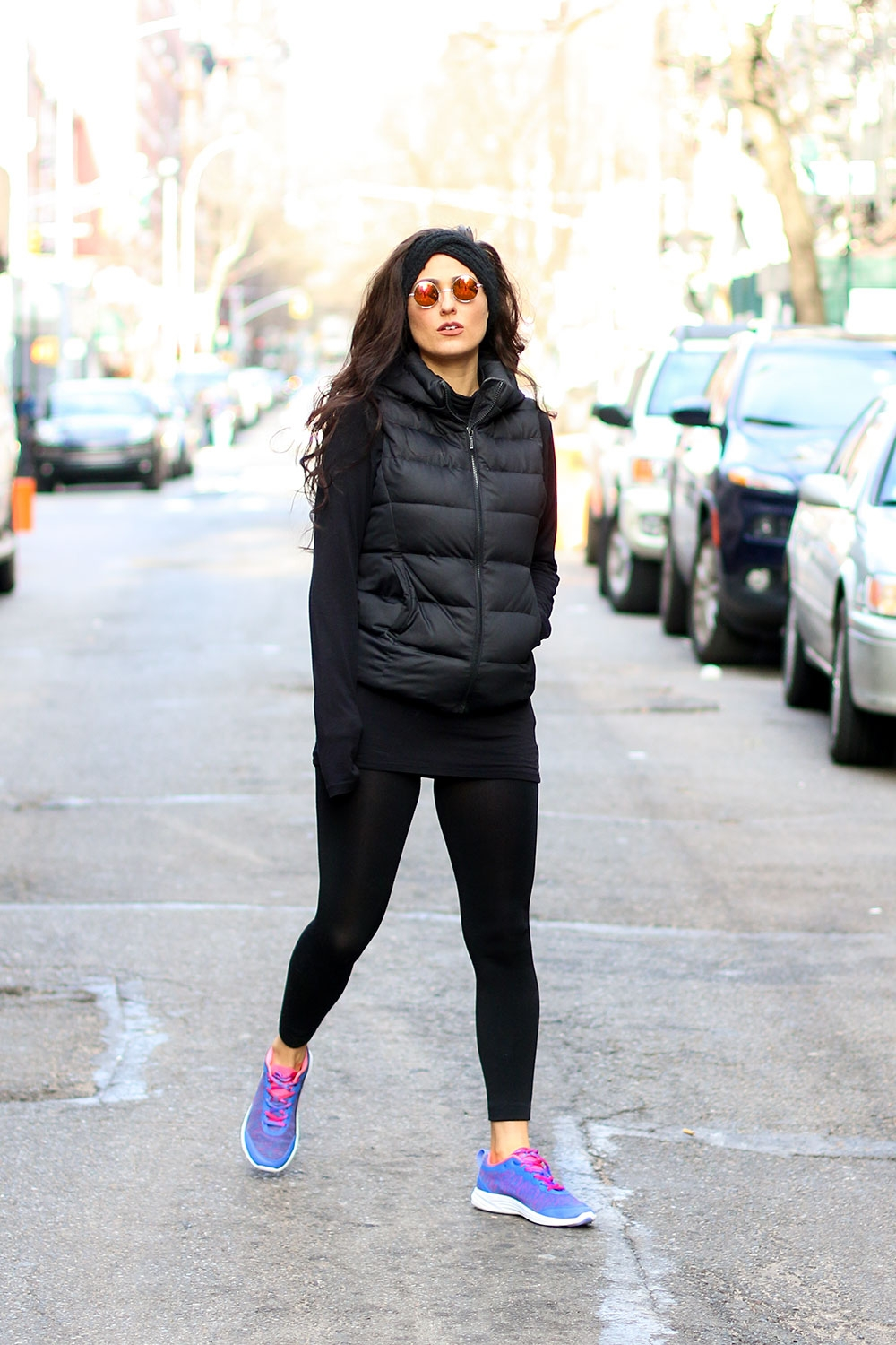 Do The Hotpants Dana Suchow Colorful Sneakers Running Fashion All Black Outfit Goth Style Winter Running Clothes DTHIMG_5817