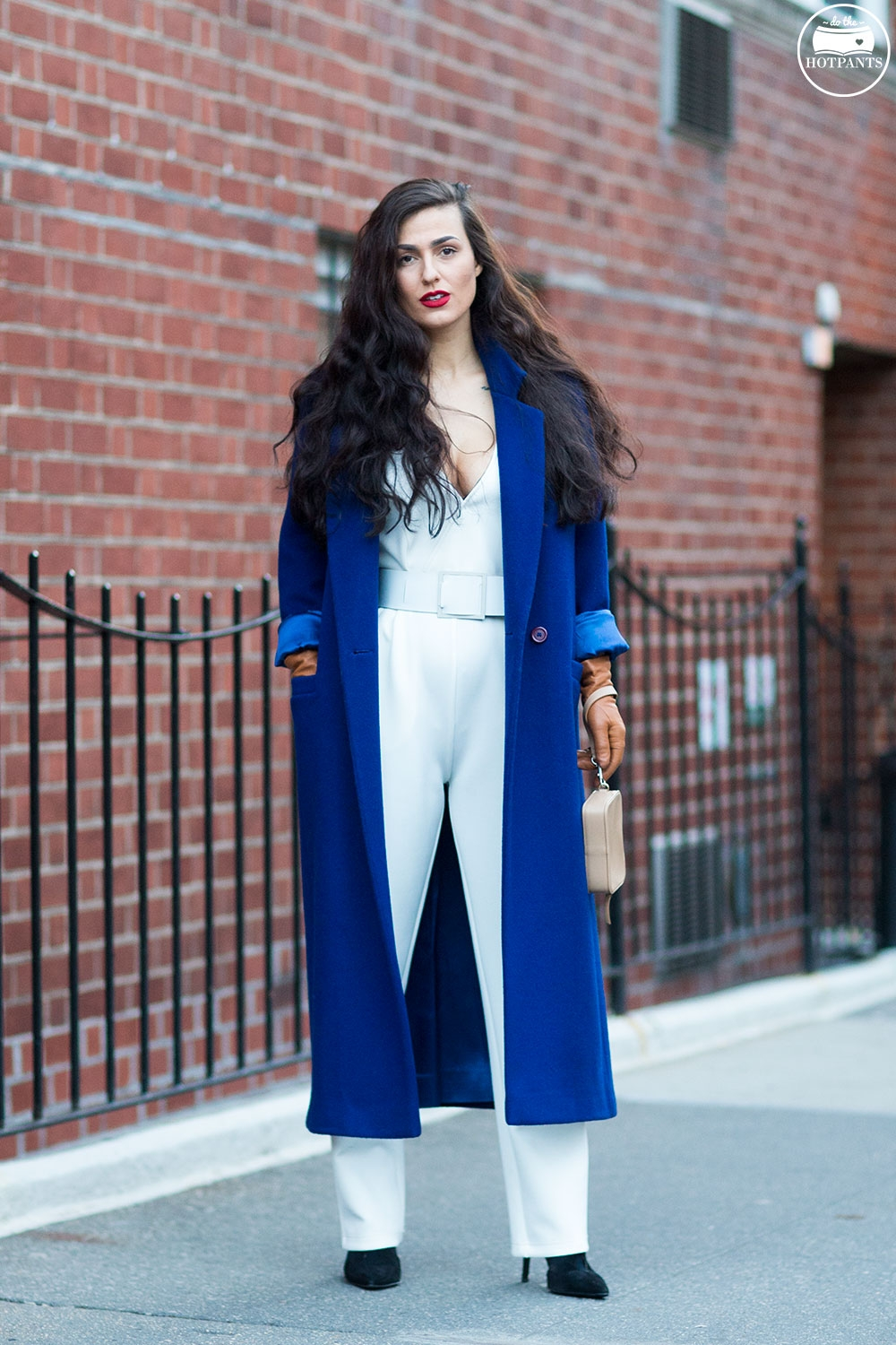 Do The Hotpants Dana Suchow White Jumpsuit Navu Blue Peacoat Trench Coat Jacket Red Lipstick Long Hair Woman MJJ_0047