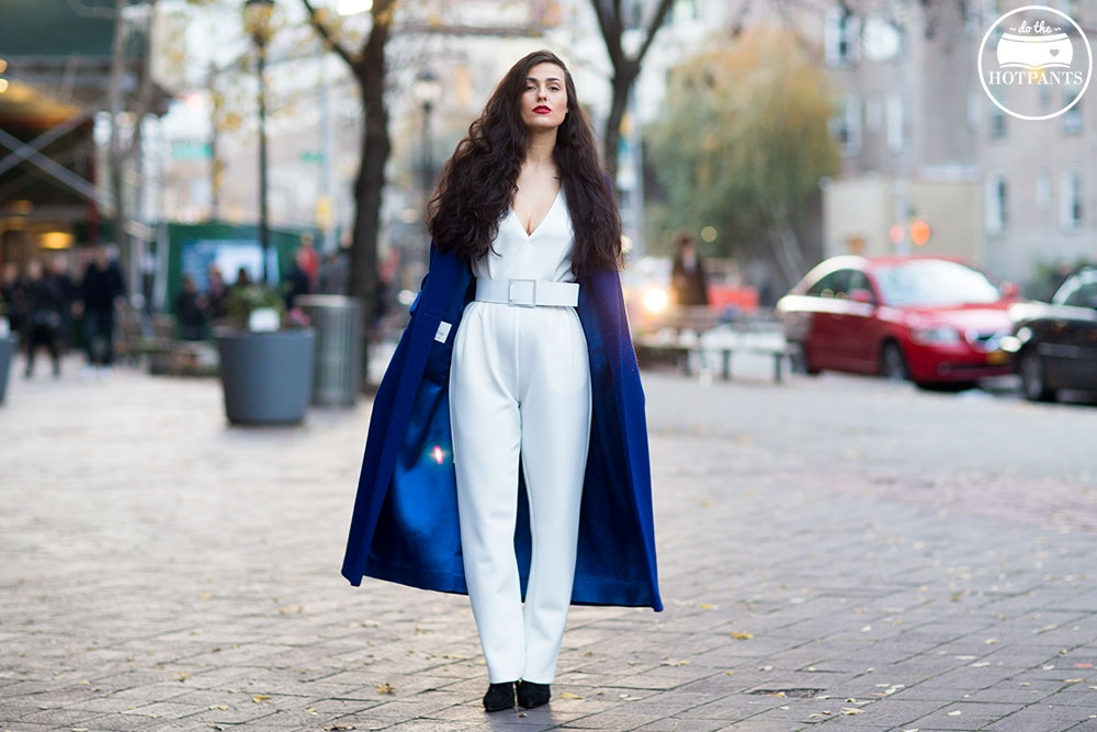 Do The Hotpants Dana Suchow White Jumpsuit Navu Blue Peacoat Trench Coat Jacket Red Lipstick Long Hair Woman MJJ_9652