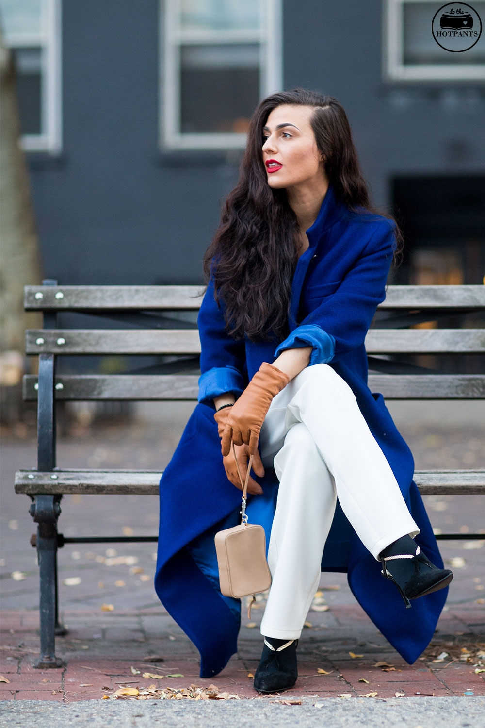 Do The Hotpants Dana Suchow White Jumpsuit Navu Blue Peacoat Trench Coat Jacket Red Lipstick Long Hair Woman MJJ_9794