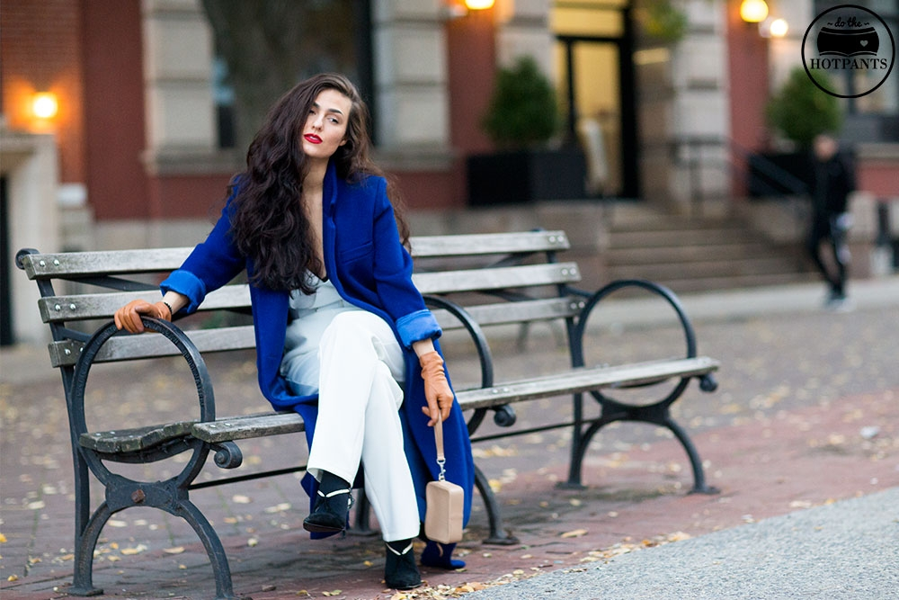 Do The Hotpants Dana Suchow White Jumpsuit Navu Blue Peacoat Trench Coat Jacket Red Lipstick Long Hair Woman MJJ_9853