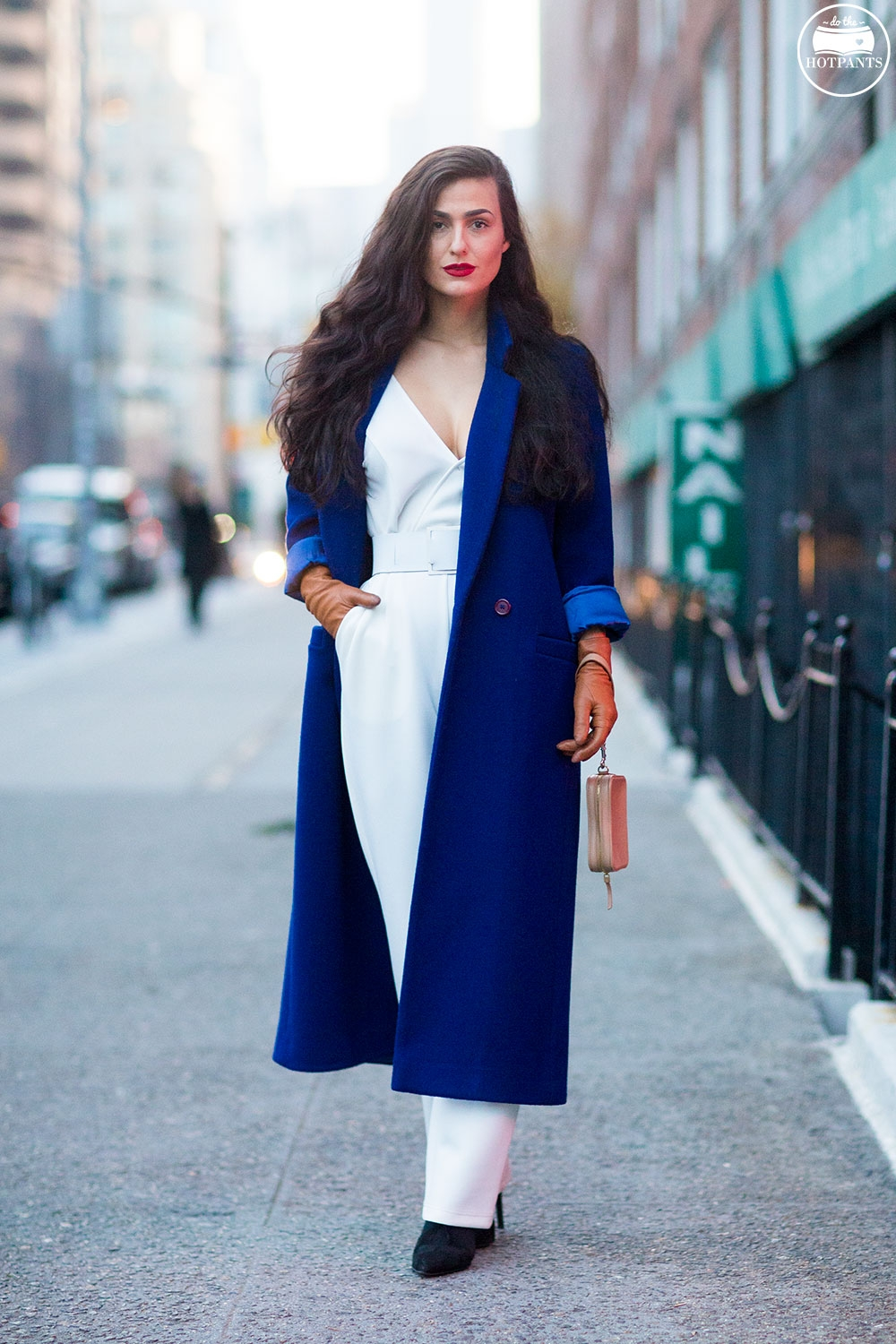 Do The Hotpants Dana Suchow White Jumpsuit Navu Blue Peacoat Trench Coat Jacket Red Lipstick Long Hair Woman MJJ_9952