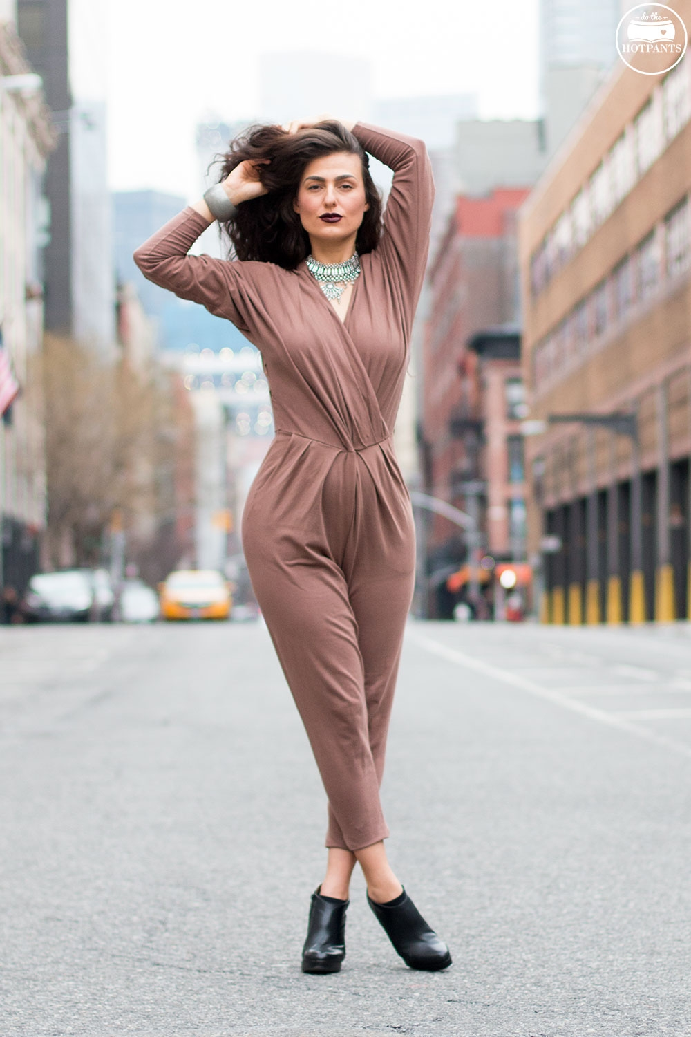 Do The Hotpants Dana Suchow Curvy Woman Jumpsuit Nude Outfit Winter Fashion Long Wavy Hair Dark Lipstick IMG_7052