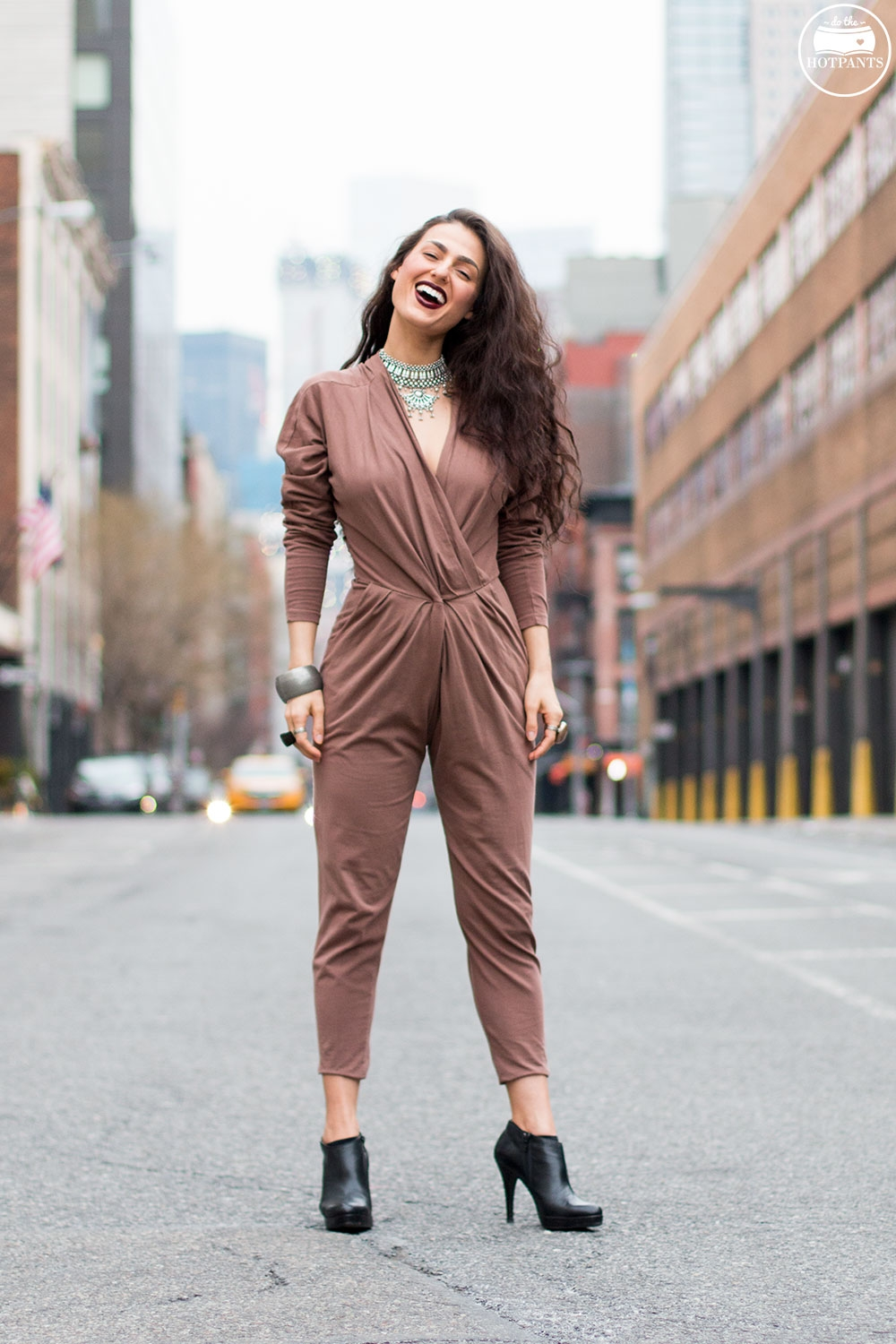 Do The Hotpants Dana Suchow Curvy Woman Jumpsuit Nude Outfit Winter Fashion Long Wavy Hair Dark Lipstick IMG_7183